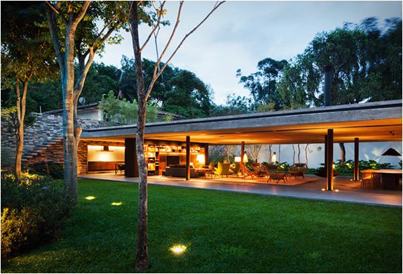 v4-house-studio-mk27-2.jpg | Image