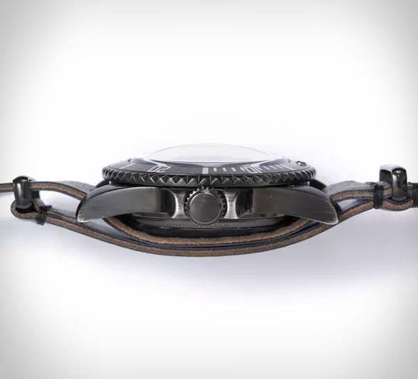 vague-black-submariner-watch-2.jpg   Image