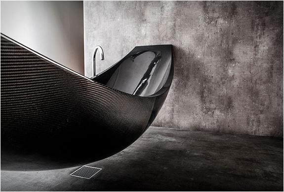 vessel-hammock-bathtub-3.jpg | Image
