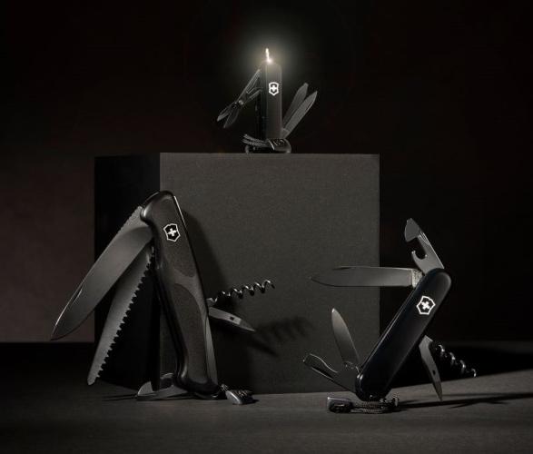 victorinox-onyx-black-collection-2.jpg | Image