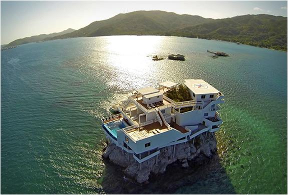 villa-on-dunbar-rock-2.jpg | Image