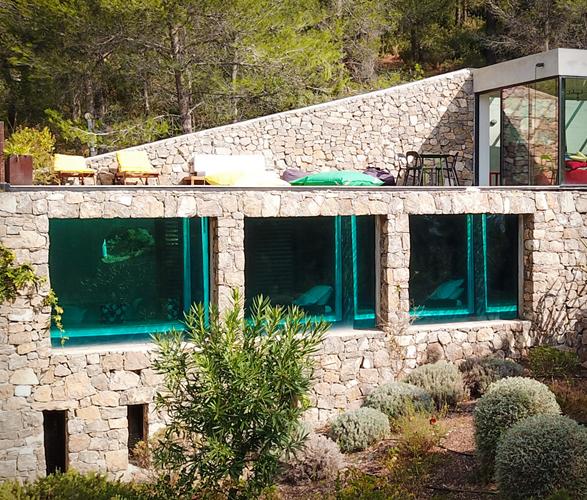 villa-on-the-rocks-7a.jpg