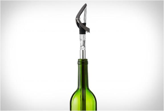 vinoice-wine-chiller-pourer-3.jpg | Image