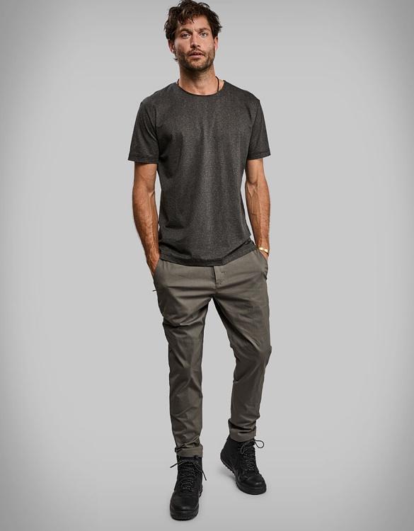 vollebak-black-algae-t-shirt-6.jpg