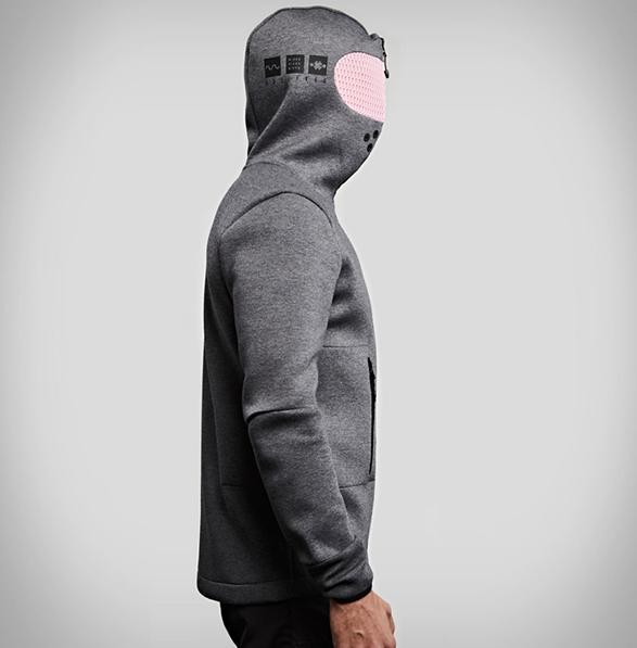 vollebak-relaxation-hoodie-8.jpg
