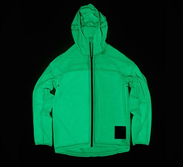 vollebak-solar-charged-jacket-7.jpg