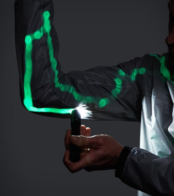 vollebak-solar-charged-jacket-new-3.jpg   Image