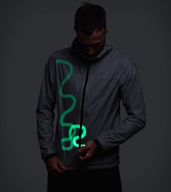 vollebak-solar-charged-jacket-new-4.jpg   Image