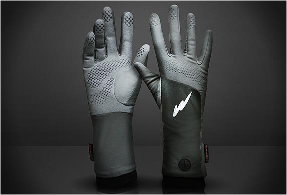 warmthru-heated-g3-glove-liners-2.jpg | Image