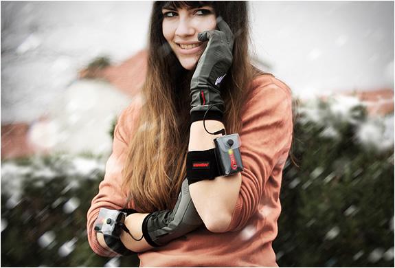 warmthru-heated-g3-glove-liners-5.jpg | Image
