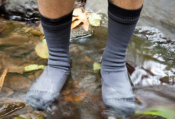 waterproof-crew-socks-3.jpg | Image