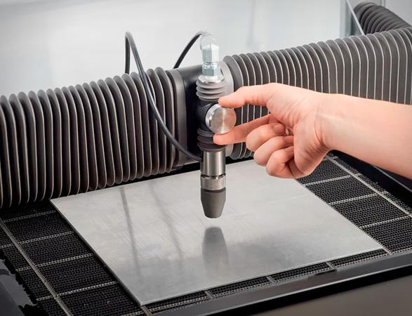 wazer-desktop-waterjet-cutter-3.jpg | Image