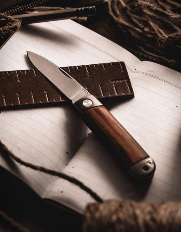 wesn-henry-titanium-pocket-knife-3.jpg | Image