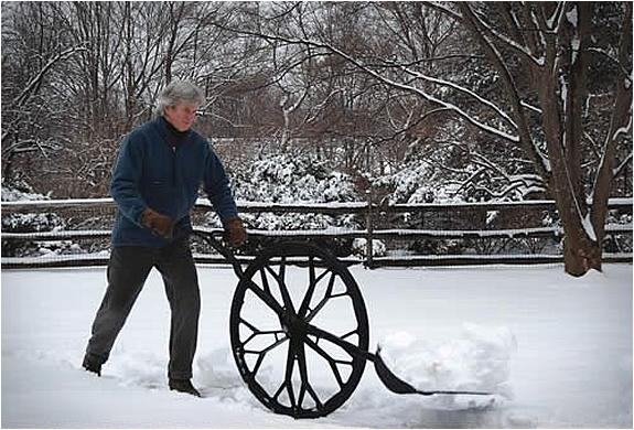 wheeled-snow-shovel-5.jpg | Image