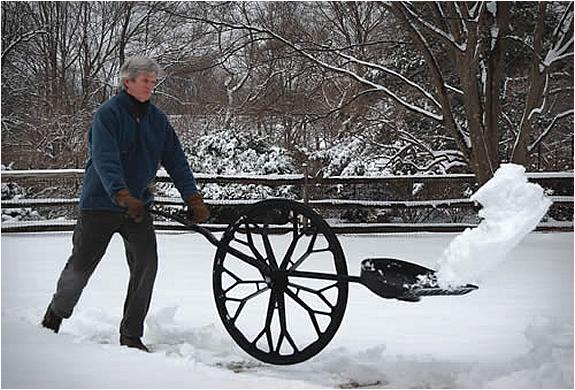 wheeled-snow-shovel-6.jpg
