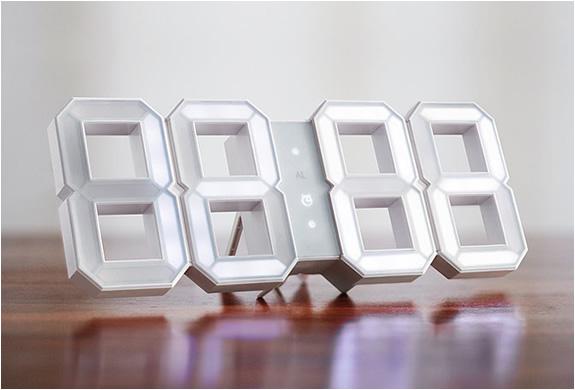 white-and-white-wall-clock-2.jpg | Image