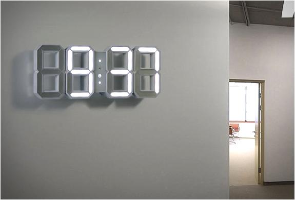 WHITE & WHITE CLOCK | Image