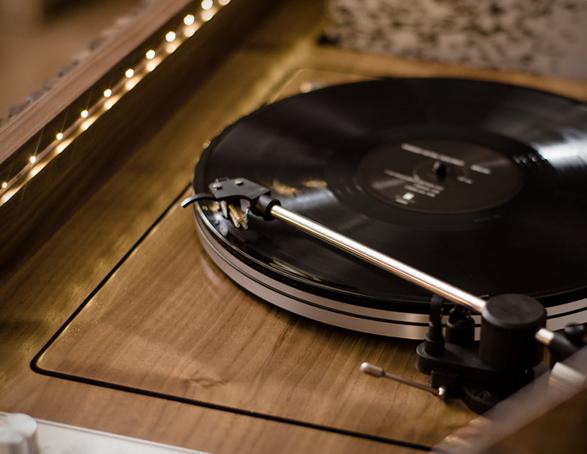 wrensilva-loft-record-console-5.jpg | Image