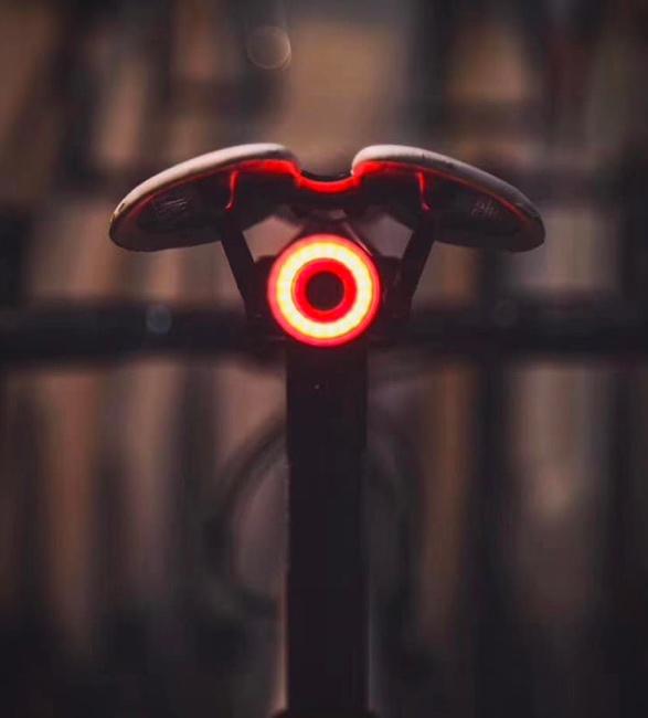 xlite-100-smart-bike-light-2.jpg | Image