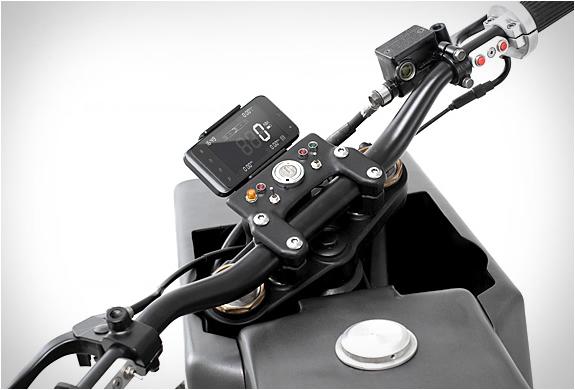 yamaha-scorpio-thrive-motorcycles-6.jpg
