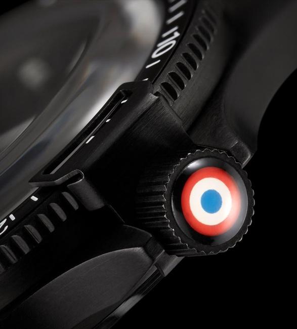yema-superman-french-air-force-5.jpg   Image