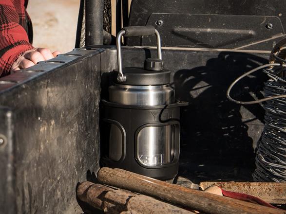 yeti-rambler-half-gallon-jug-5.jpg | Image