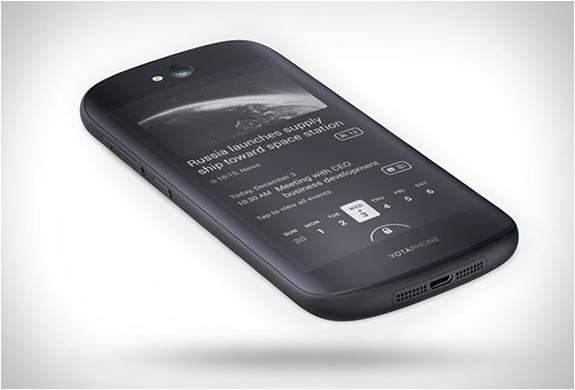yotaphone2-6.jpg