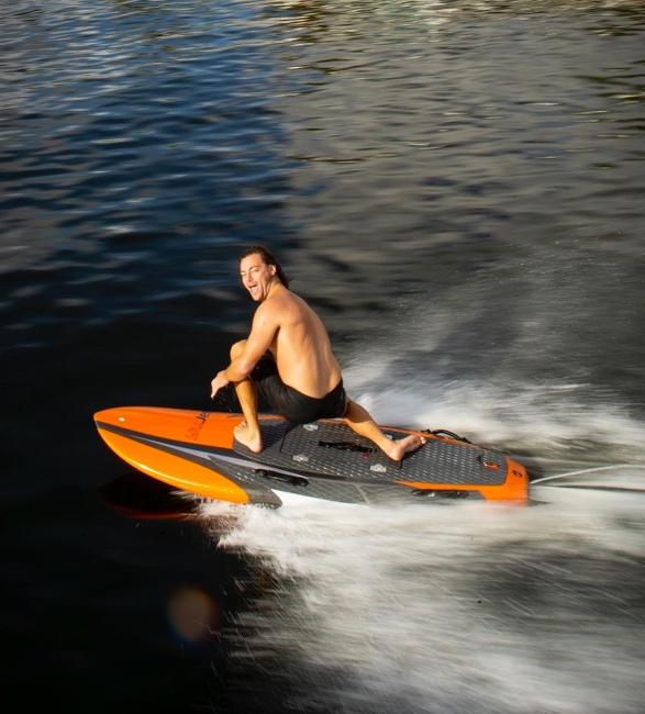 yujet-surfer-7.jpg