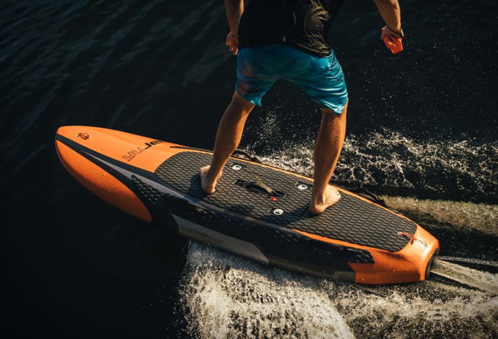 YuJet Surfer | Image