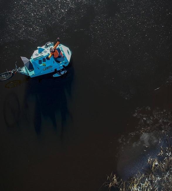 z-triton-house-boat-trike-11.jpg