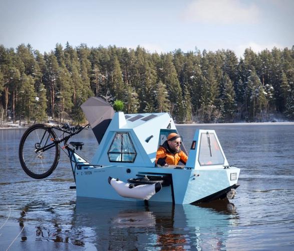z-triton-house-boat-trike-8.jpg