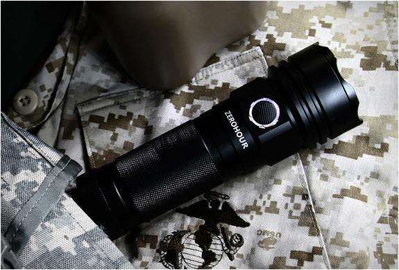 zerohour-flashlight-6.jpg
