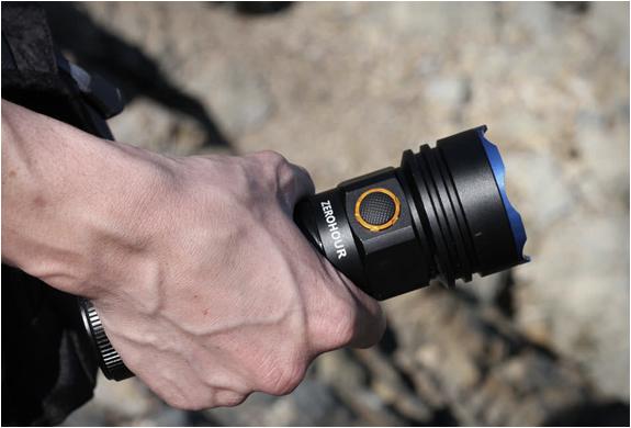 zerohour-flashlight-7.jpg