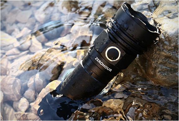 zerohour-flashlight-8.jpg