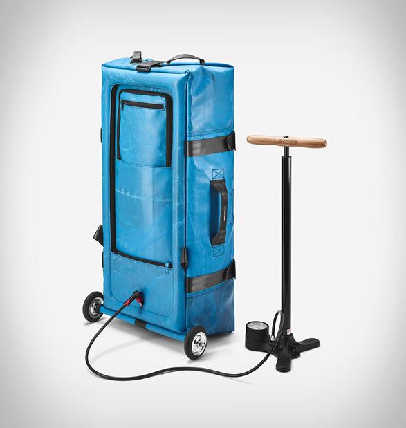 zippelin-inflatable-travel-bag-6.jpg